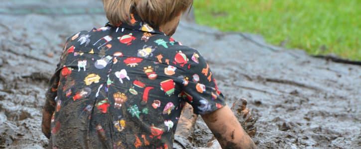 Por qué los niños necesitan a los microbios comunes